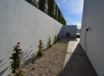 Left Side facade_02 Villa Tee