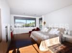 exclusive-luxury-villa-in-albir-main-bedroom