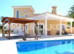 villa-with-unique-architecture