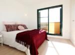 galeria-memoria-calidades-el-pinar-adosados-sierra-cortina-bano-principal-dormitorio-principal-2-es-jpg